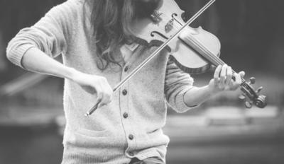 Bent u opzoek naar muziekproductie of muziekproductie nodig? Arrangeur en componist Stephield staat voor u klaar!